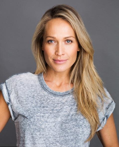 Erika Heynatz headshot - Chic Management